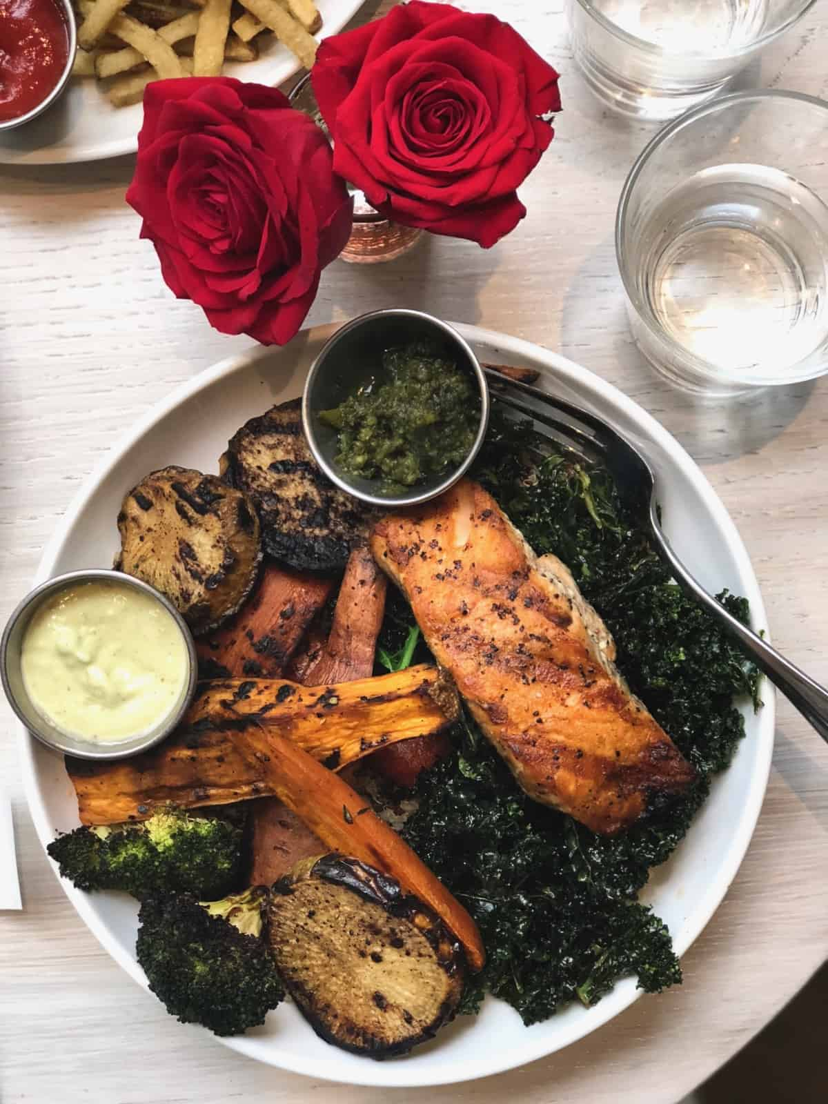 Whole30 Paleo Restaurant Guide To Austin Texas Eat The Gains