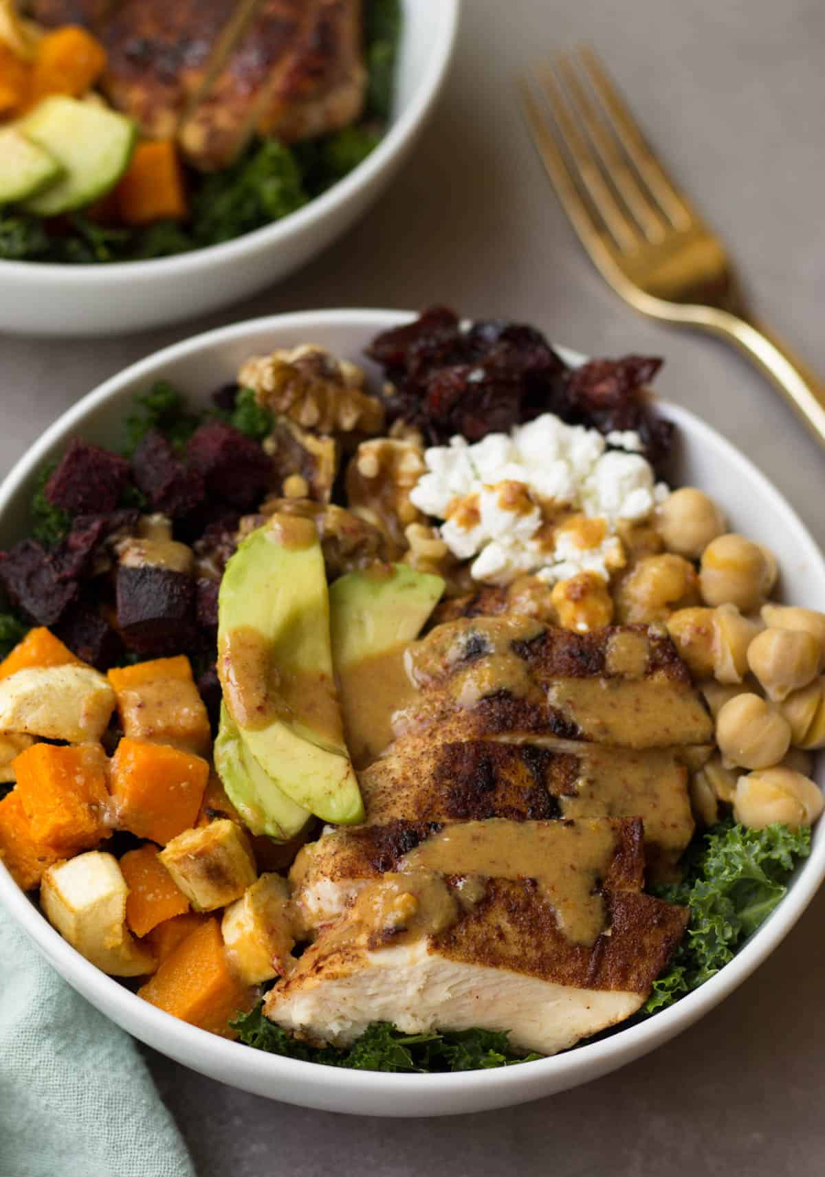 This Fall Veggie Chicken Power Bowl makes the perfect light, healthy, and gluten free winter meal - packed with protein, carbs, and healthy fats and so many vitamins & minerals! - Eat the Gains