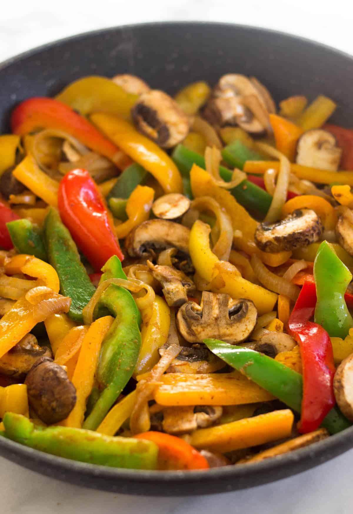 pan of fajita veggies