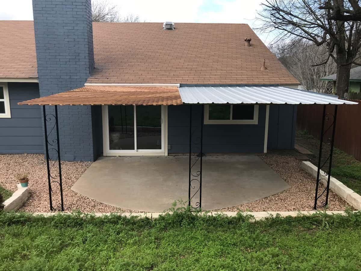 DIY patio roof made of half tin and half lattice