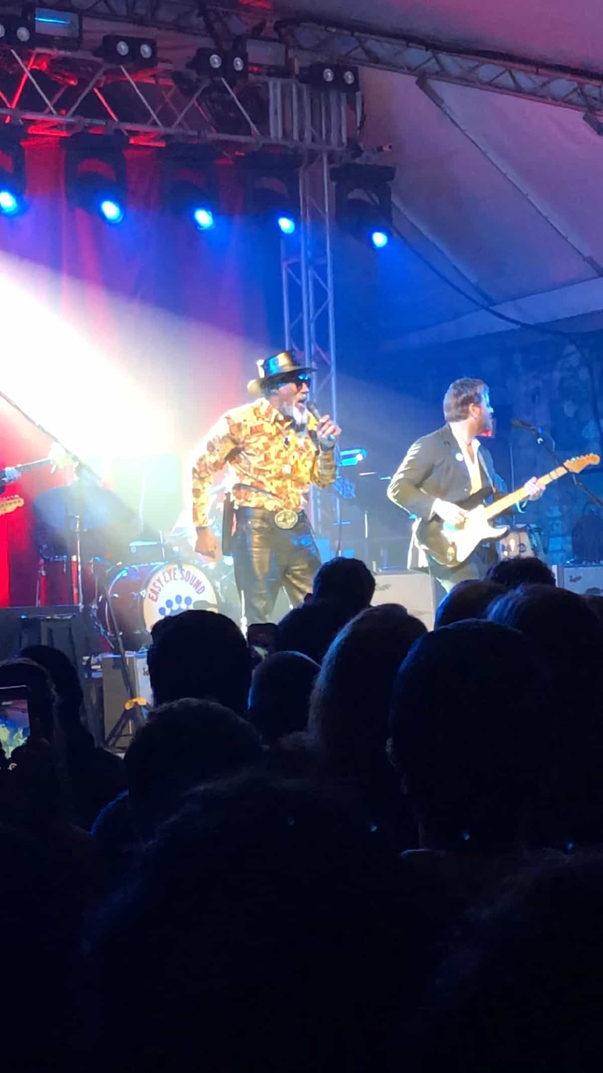 Dan Auerbach and Robert Finley on stage